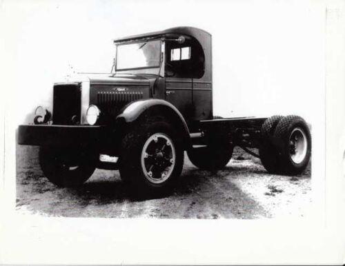 1930s Era Mack Truck Chassis Factory Press Photo 0022