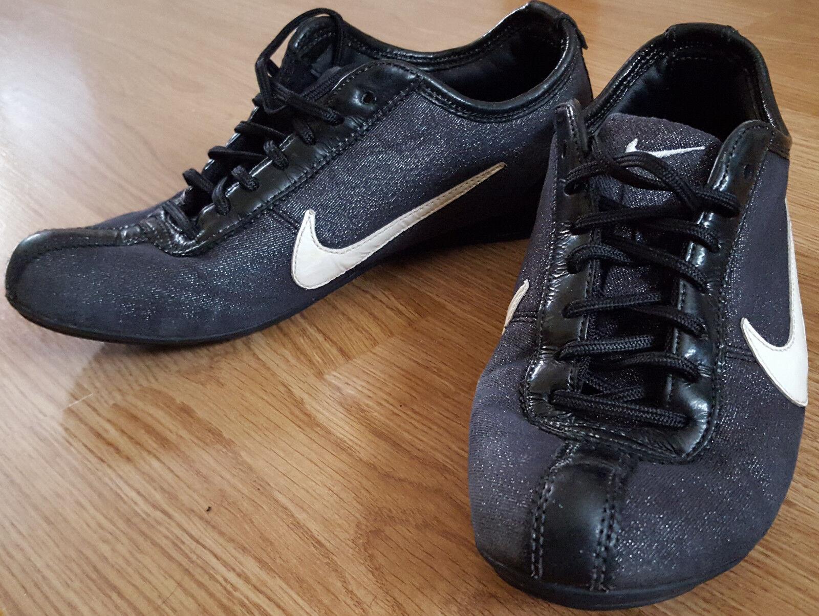 NIKE Baskets Marche coureurs Chaussures Course Noir Taille UK 5.5 EUR 39