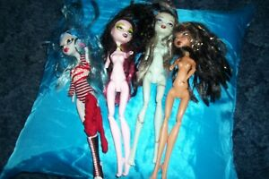 Monster-High-Doll-lot-of-dolls-with-missing-parts-Older-dolls