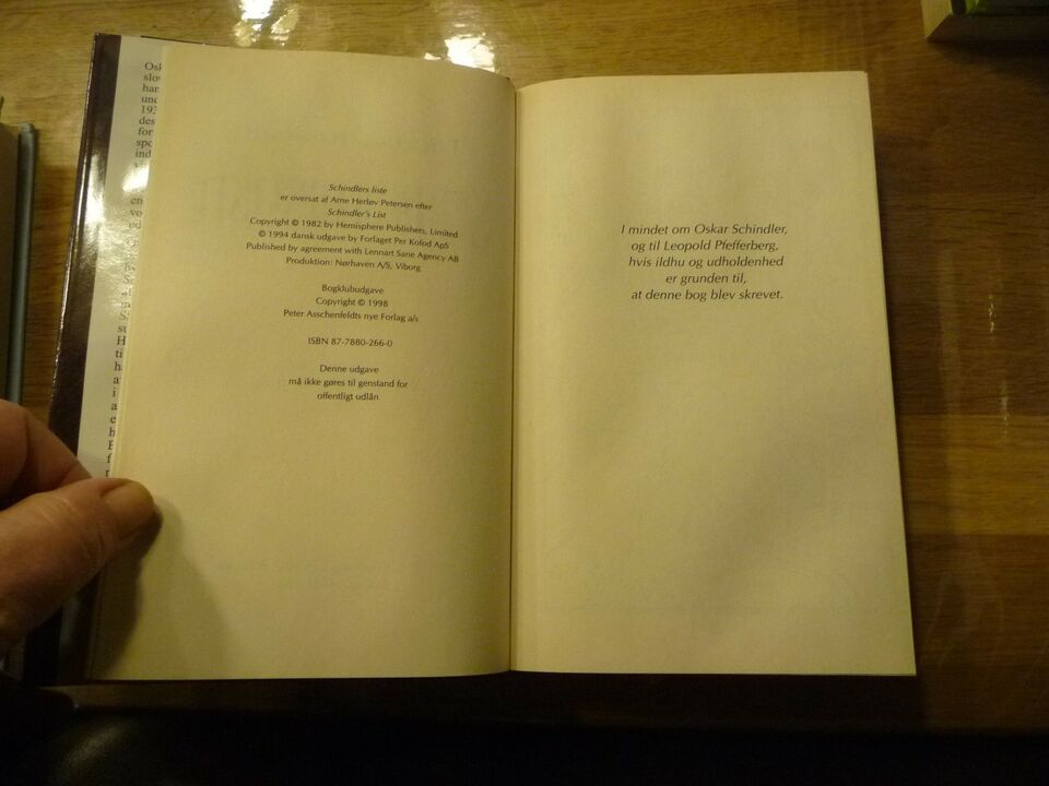Schindlers liste, Thomas Keneally, genre: roman