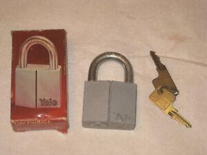 Vintage-Hardened-YALE-Padlock-with-2-Keys-in-box
