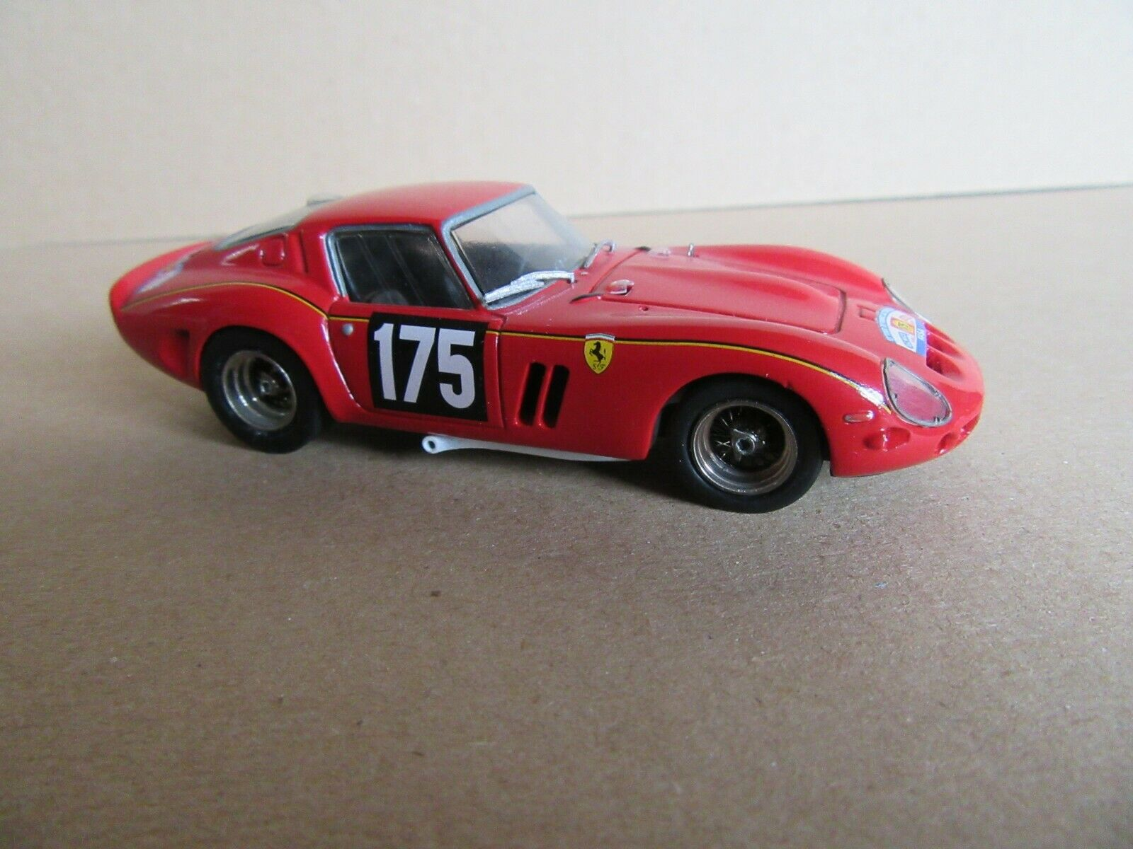84J AMR 82 Ferrari 250 Gto Dimensione Coche 1964 Dubois 1 43