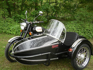 Royal-Enfield-Bullet-Classic-Chrome-with-Watsonian-Manx-Sidecar-BRAND-NEW