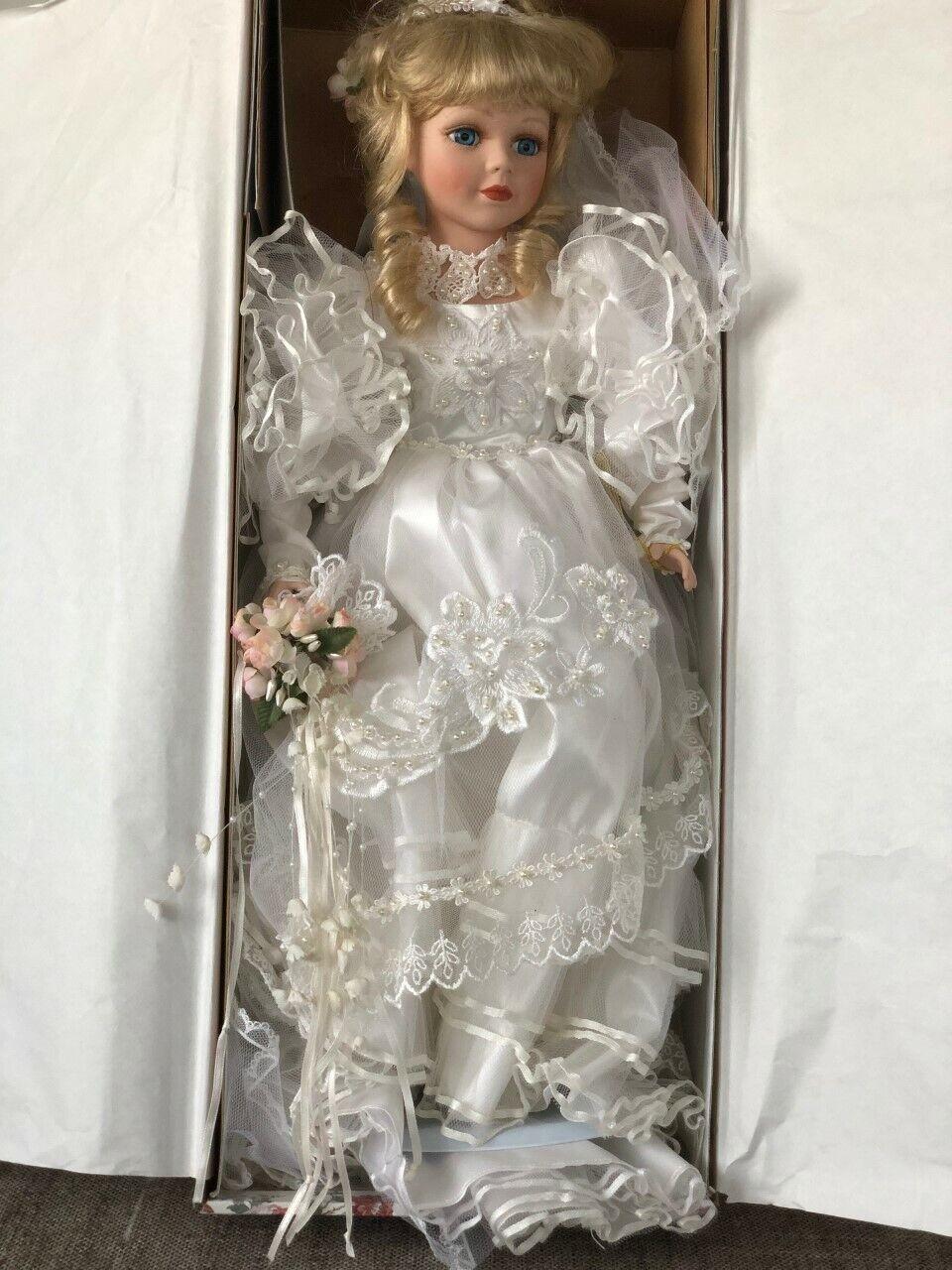 economico e di alta qualità NIB NIB NIB Gustave & Gretchen Wolff Porcelain Bride bambola Adriana COA e Ste  vieni a scegliere il tuo stile sportivo