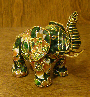 Victorian Treasures #vt200-1 Elephant W/ Green/beige New From Retail Shop Other Decorative Collectibles
