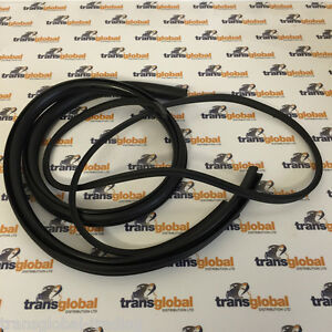 Land-Rover-Defender-Truck-Cab-Pick-Up-Corner-Window-Rubber-Seal-5mm-Bearmach