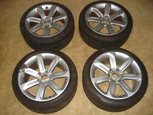 Audi-TT-Alufelgen-9Jx18-Raeder-245-40-ZR18-Pirelli-Reifen-8J0601025AC-Felgen-TTS