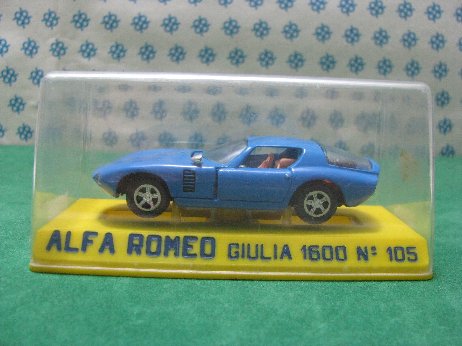 Vintage-Alfa Romeo Giulia Canguro 1600cc. - 1 43 Joal Nº 105 MIB