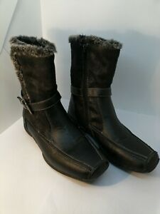 38 Black Fur Lined Boots