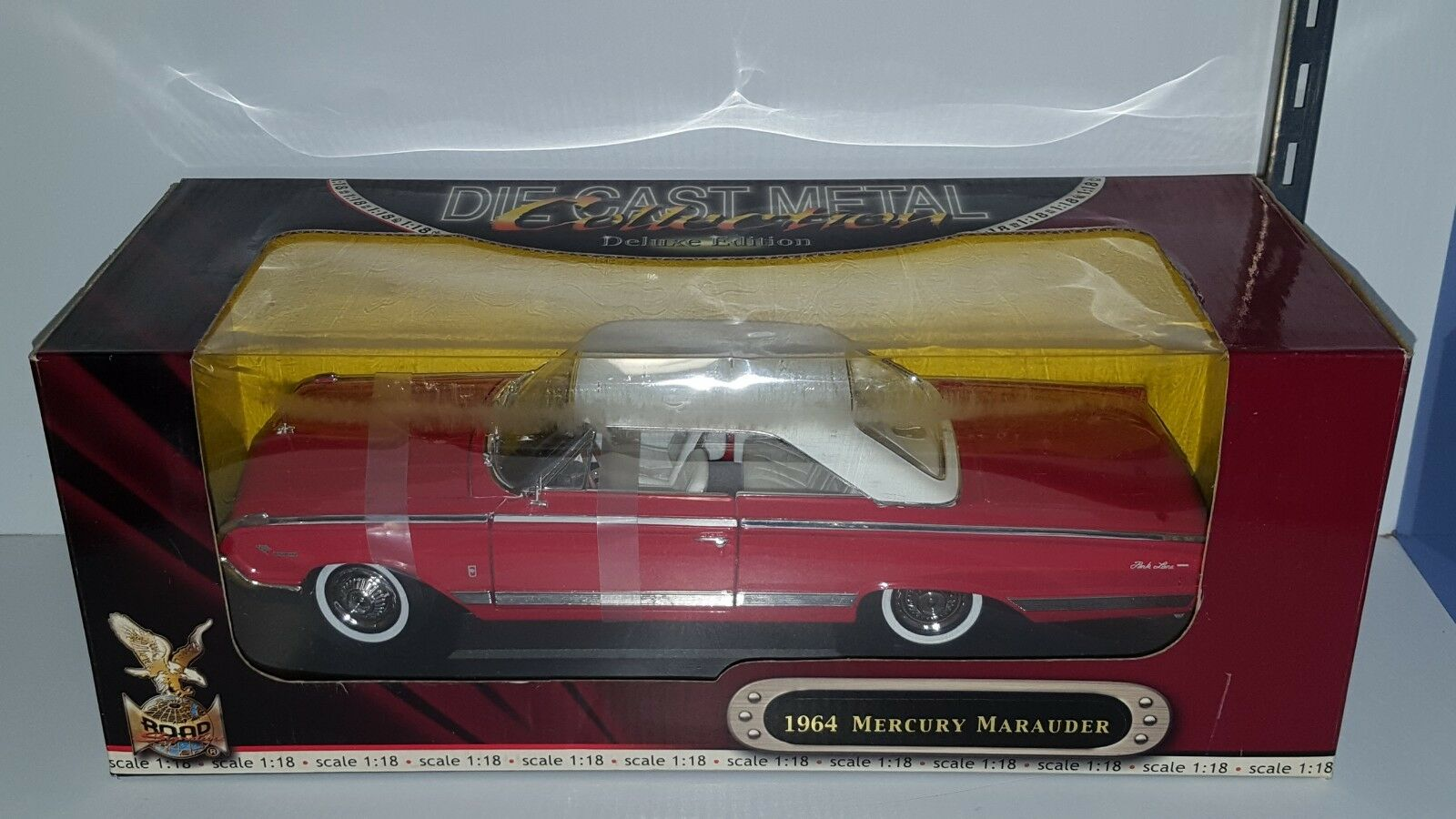 1 18 ROAD SIGNATURE 1964 MERCURY MARAUDER RED with WHITE TOP pd