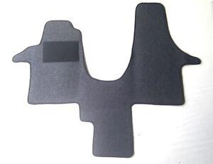 Automatte-Fussmatte-Fahrerhausteppich-fuer-VW-T5-2-Sitzer-mit-Mittelgang-anthrazit