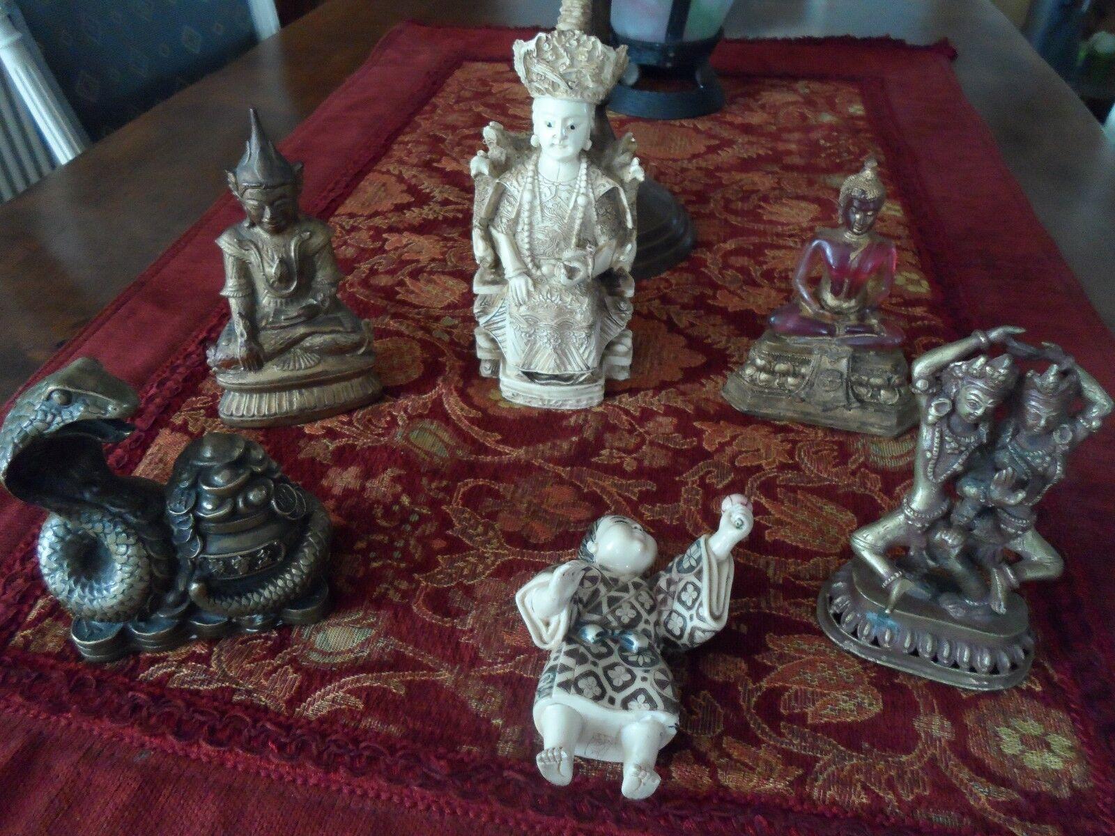 Lot de six figurines orientales.
