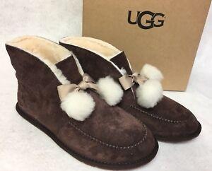 264f514b8c8 Details about UGG Australia Kallen Suede Moc Toe Pom Pom Slipper 1017541  Sheepskin Stout Brown
