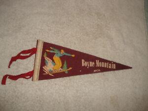 VINTAGE-1940s-Boyne-Mountain-Michigan-wool-felt-Pennant
