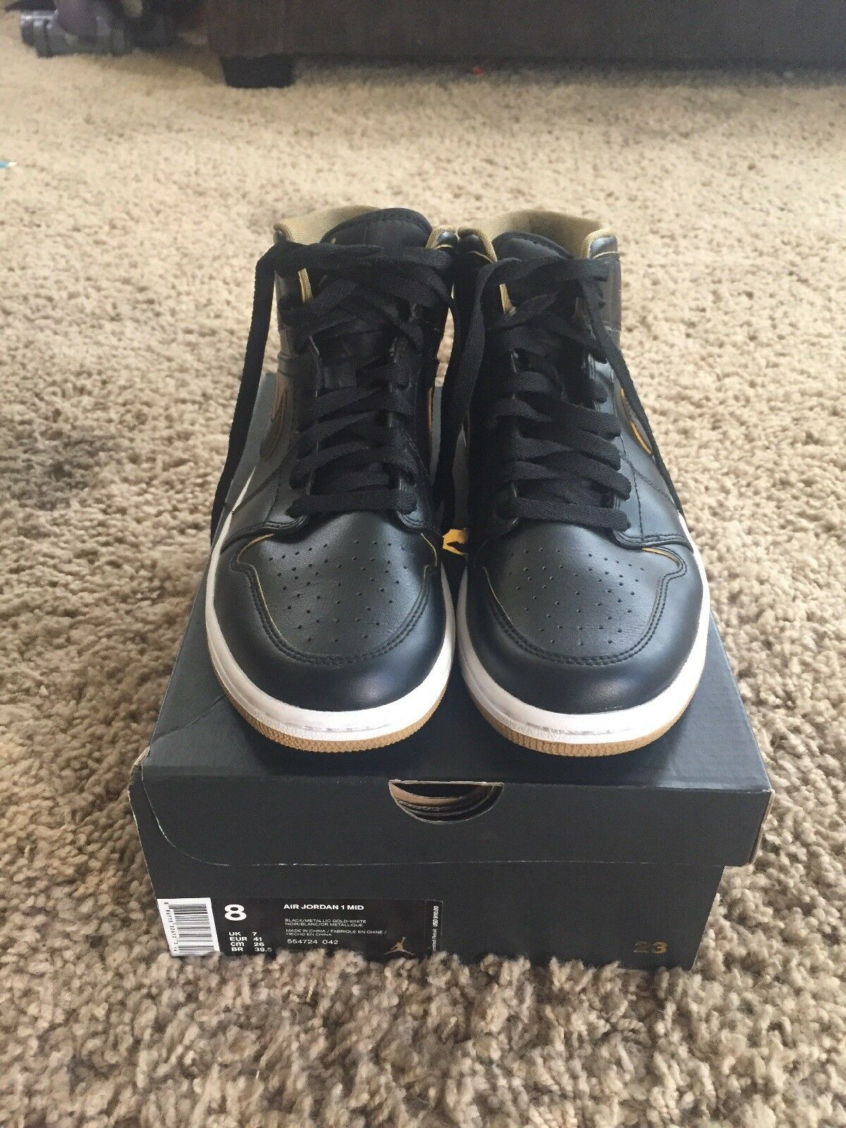 Air Jordan 1 Wore once With Box Size 8