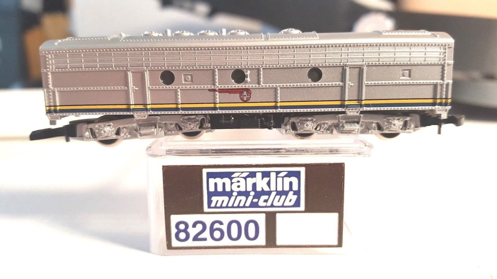 Marklin Z Mini Club Club Club 82600 EMD F7 B-Unit ATSF Loco bluee Warbonnet Non-Powered 6e0c18