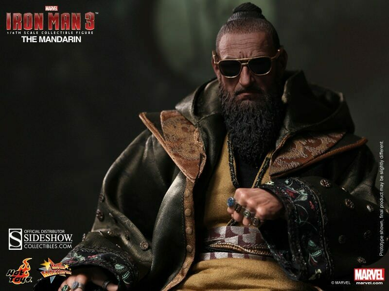 IRON MAN 3  THE MANDARIN  MMS211 HOT TOYS  NEW NEVER REMOVED FROM BOX US SELLER