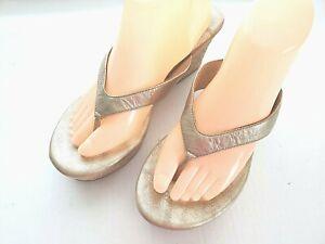 UGG Natassia Women Size 10 Sandals Cork Wedge Platform Thong Leather Shoes