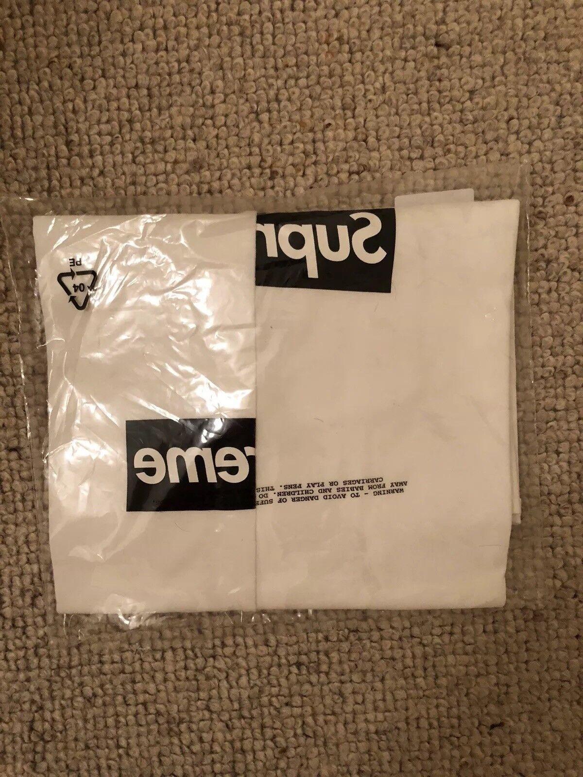 Supreme x Comme Des Garcon Split Box Logo Tee Medium White FW18, Brand New