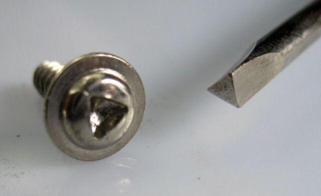IXO Destornillador Triangular Scredriver Triangle Base Altaya 1/43 Triangulo