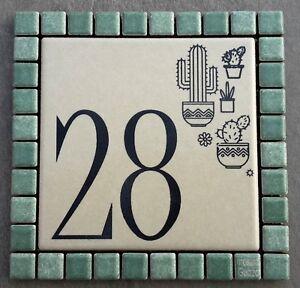 Numero civico+via incisi su piastrella di ceramica 20 x 15 cm