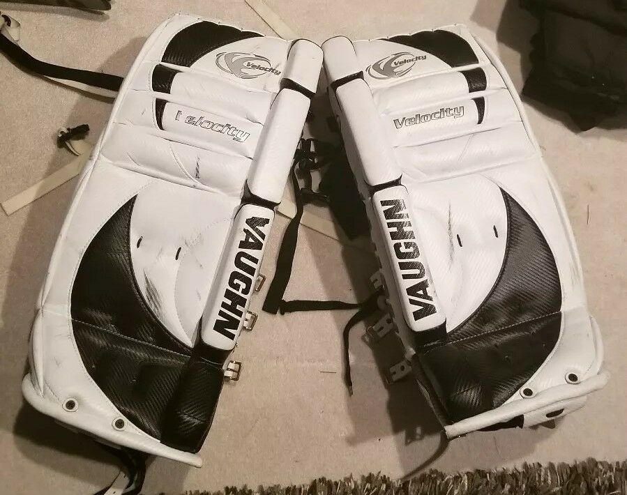 Vaughn Velocity 2 7070 Youth (27 inch) Goalie Pads ,300 NEW