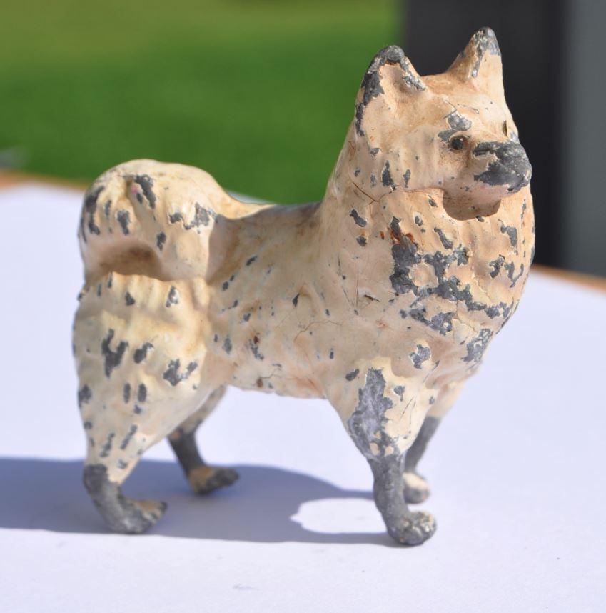 19 e Cen kejserlig Russia LAIKA vit Husky Heavy Solid Tin -Lead Dog leksak 160.8 gr
