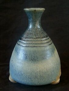Vintage-studio-pottery-stoneware-vase-with-handle-6-inches-artist-signed
