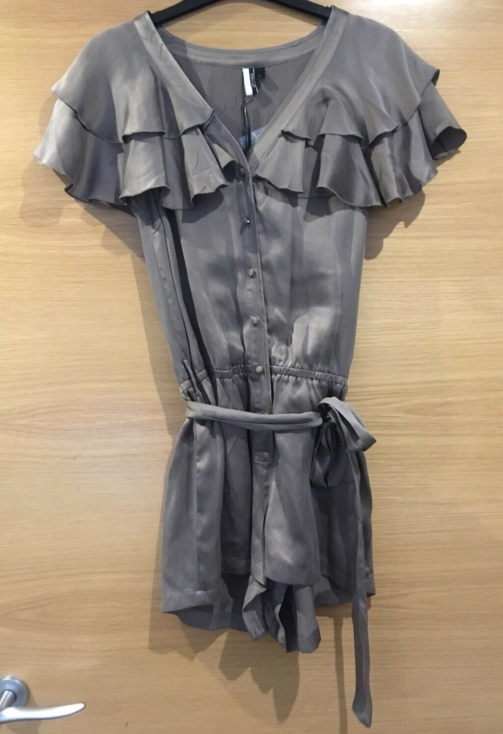 Taupe Mink Topshop Size 6 100% Silk Playsuit Ruffle Collar Shorts Party New