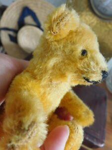 Kleines-Baeren-Kind-Baby-um-1920-30-antik-wunderschoener-Teddy-Baer-antik-alt