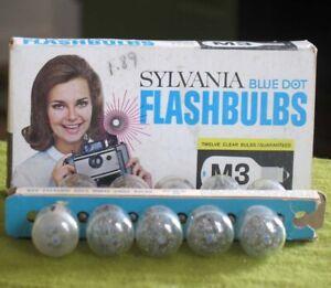 10 Vintage M3 Clear Sylvania Blue Dot Flashbulbs in Original Box