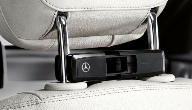 Mercedes-Benz  Supporto di base, Style & Travel Equipment A0008103300
