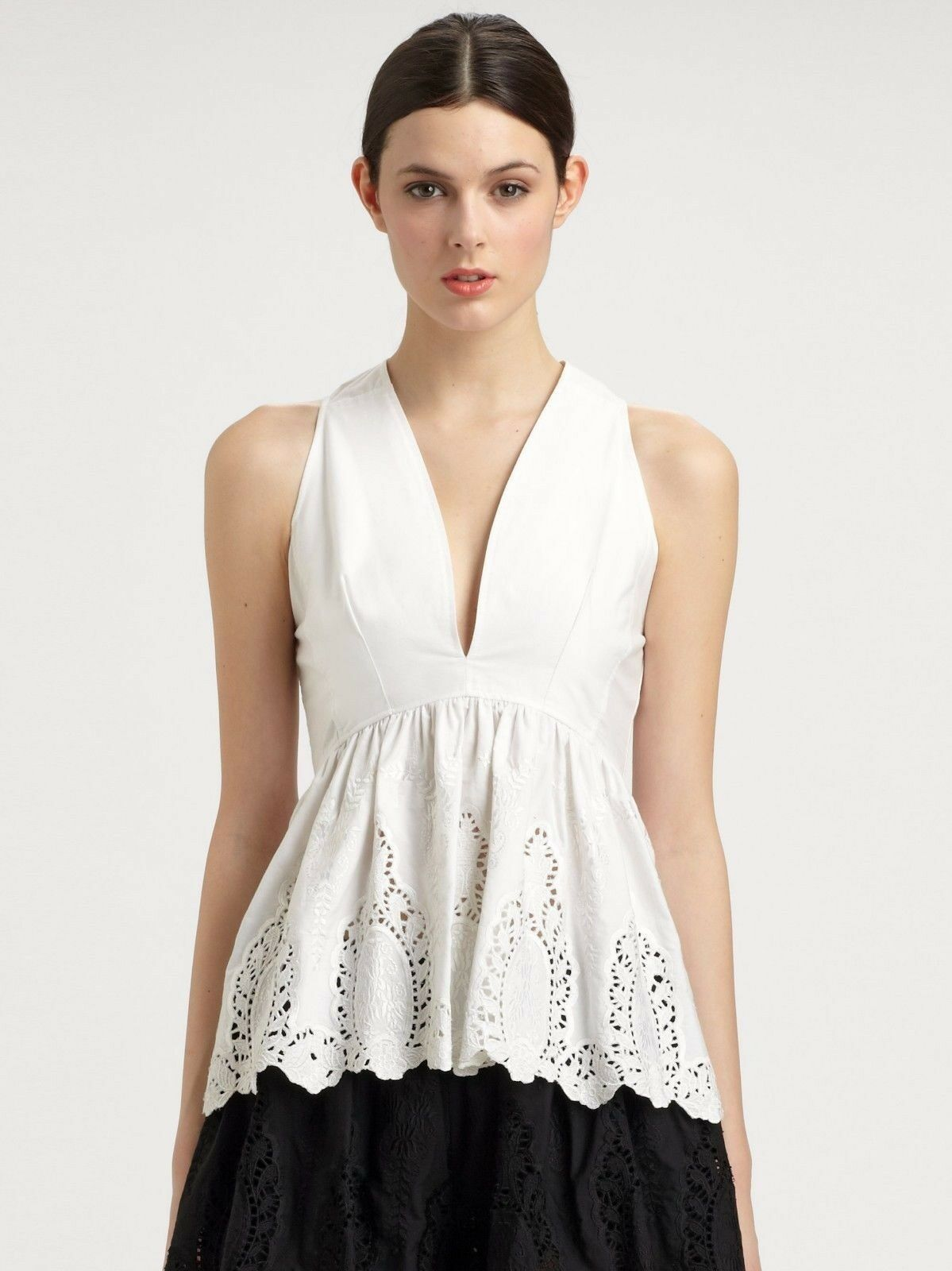 NEW THAKOON Lace Peplum Top Embroiderot Weiß Eyelet Blouse V Neck 6
