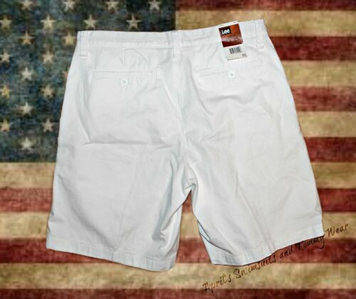 Lee Relaxed Fit Flat Front Shorts Size 40 NWT Essential Khakis White