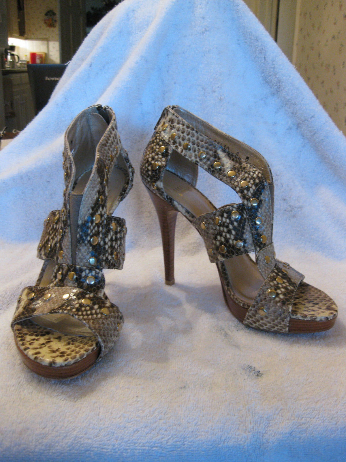 Stuart Weitzman Women's  AIRFORCE  ROCCI SERPENT BROWN SANDAL Size 8M