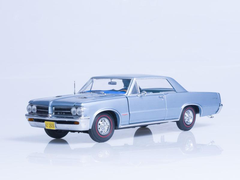 Scale model 1 18  1964 Pontiac GTO - Yorktown blu