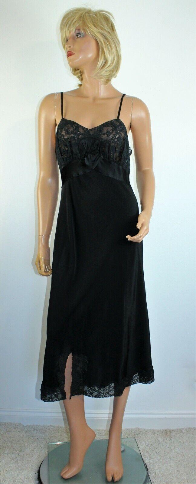 Vintage 1940's NAT LEWIS Black Silky Rayon Lace T… - image 1