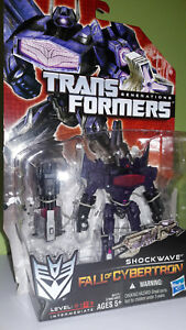 TRANSFORMERS-GENERATIONS-FALL-OF-CYBERTRON-SHOCKWAVE-MISB