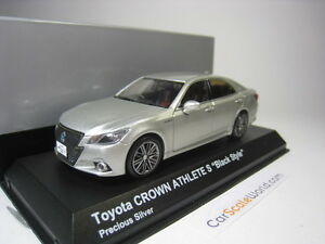 Toyota Crown Hybrid Athlete S Noir Style 1/43 Kyosho (Argent Précieux)