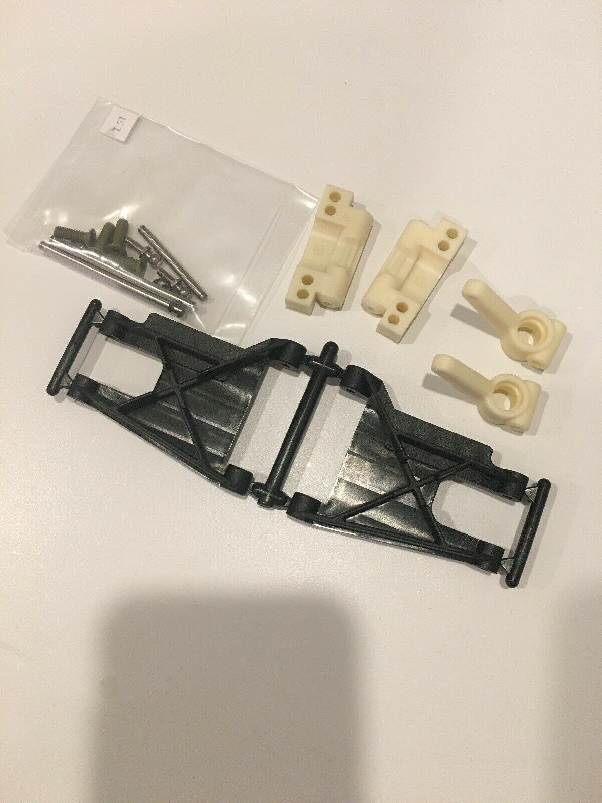 Team Associated 6002 RC10 World's Car Complete Rear Suspension Arms Uprights Set