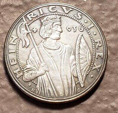 WW2 WWII German Berlin Olympics Olympia 1936 coin medal medallion.