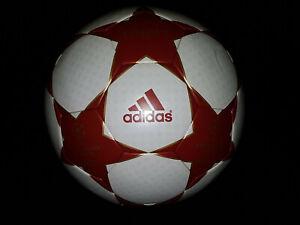 Details zu adidas Match Ball Finale 4 Red Star UEFA Champions League NEU