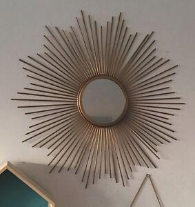 Rare-joli-miroir-en-metal-dore-forme-soleil-vintage-style-des-annees-50-60