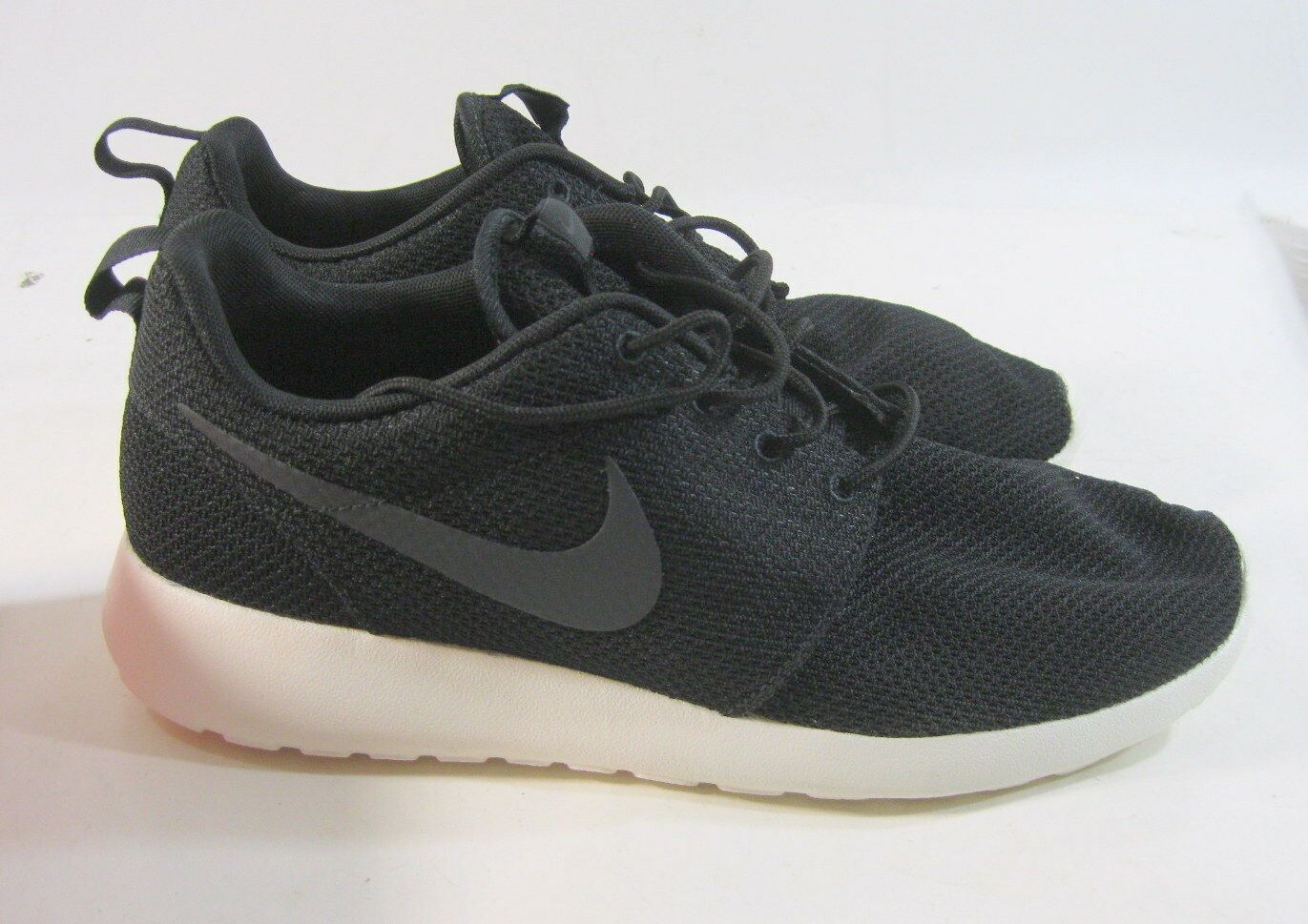 new Nike Roshe One Casual Shoes 511881 010 Black/White Size 10.5