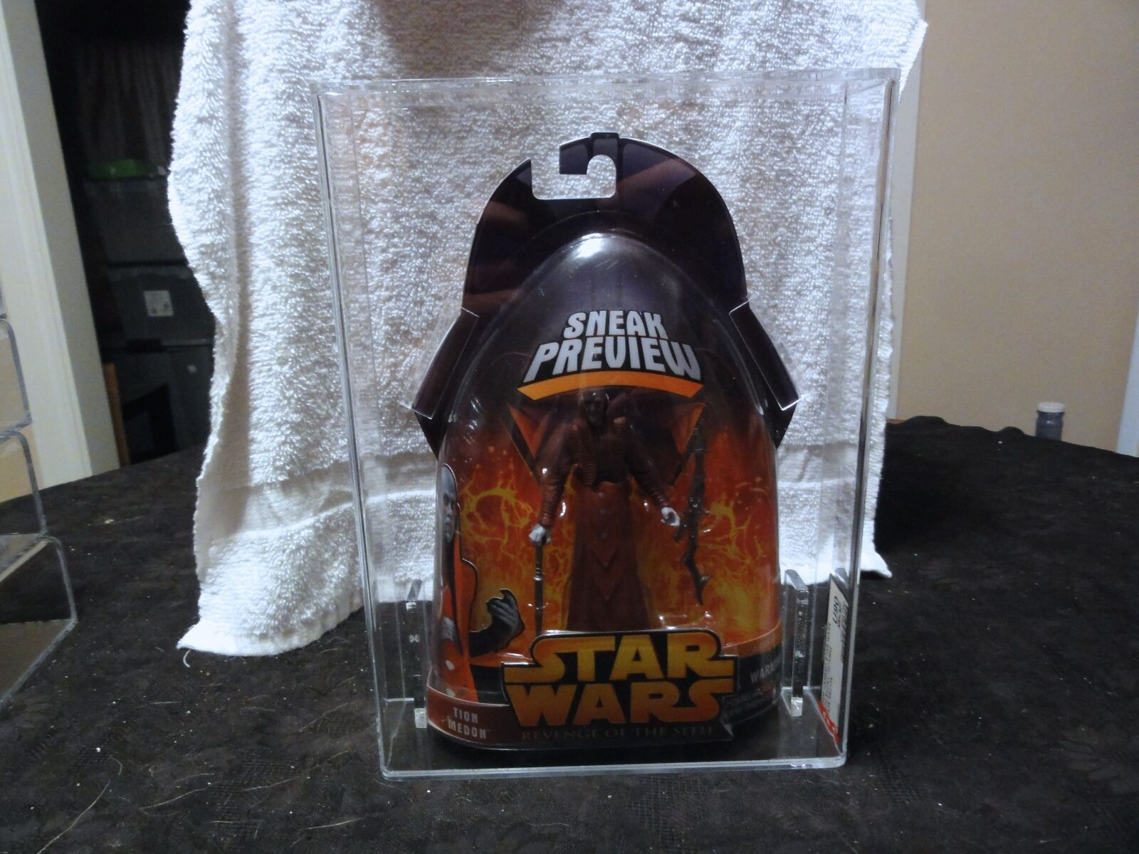 Star Wars 2005 ROTS Sneak Preview Tion Medon AFA Sealed MIB BOX