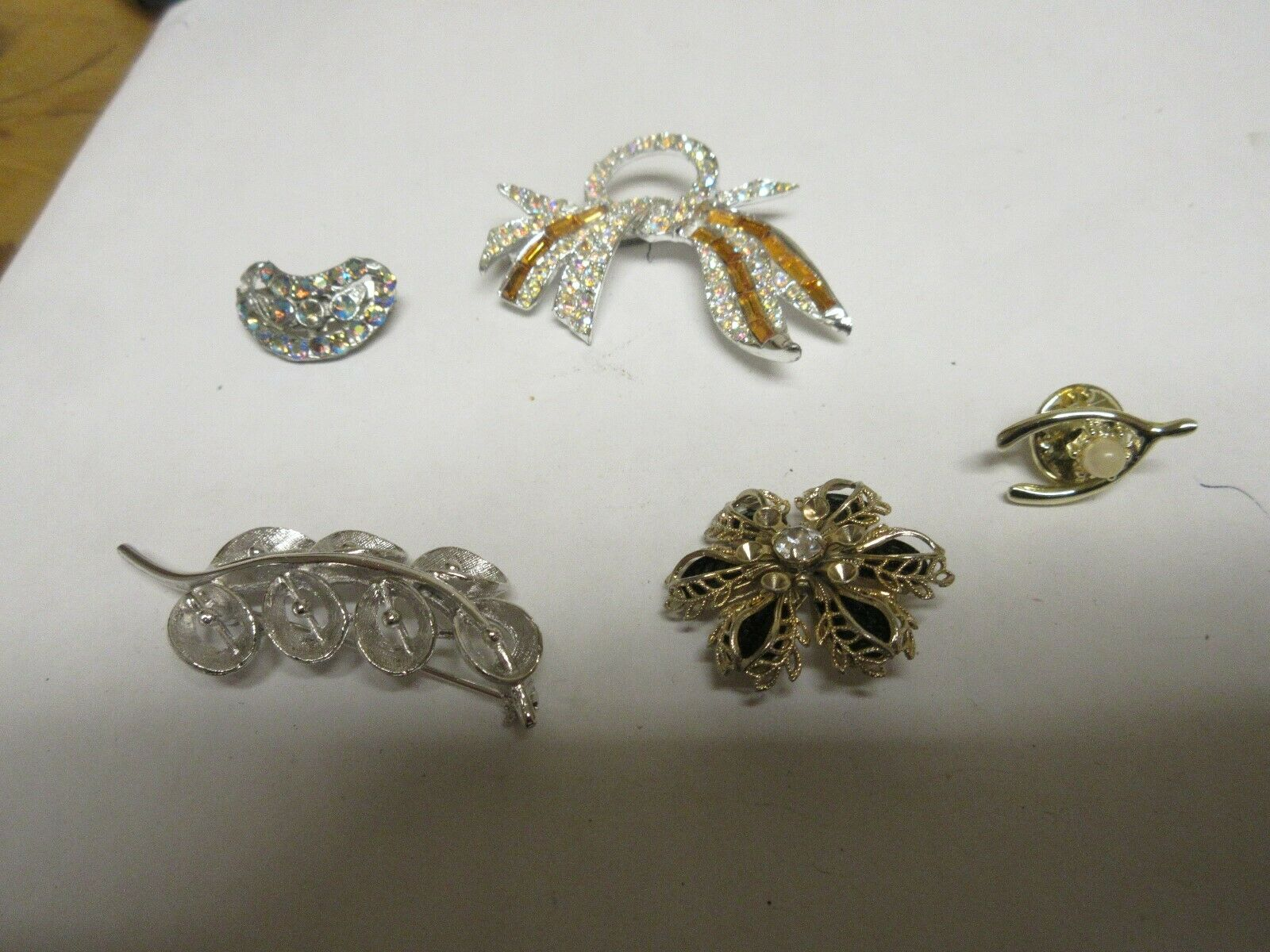 Costume Jewelry , Vintage , Pins / Brooch , Mixed Lot o