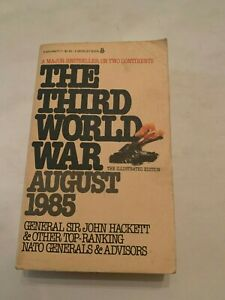 1980-The-Third-World-War-August-1985-by-John-Hackett-Berkley-Paperback