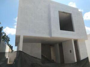 En venta casa en Madeiras Residencial Zapopan