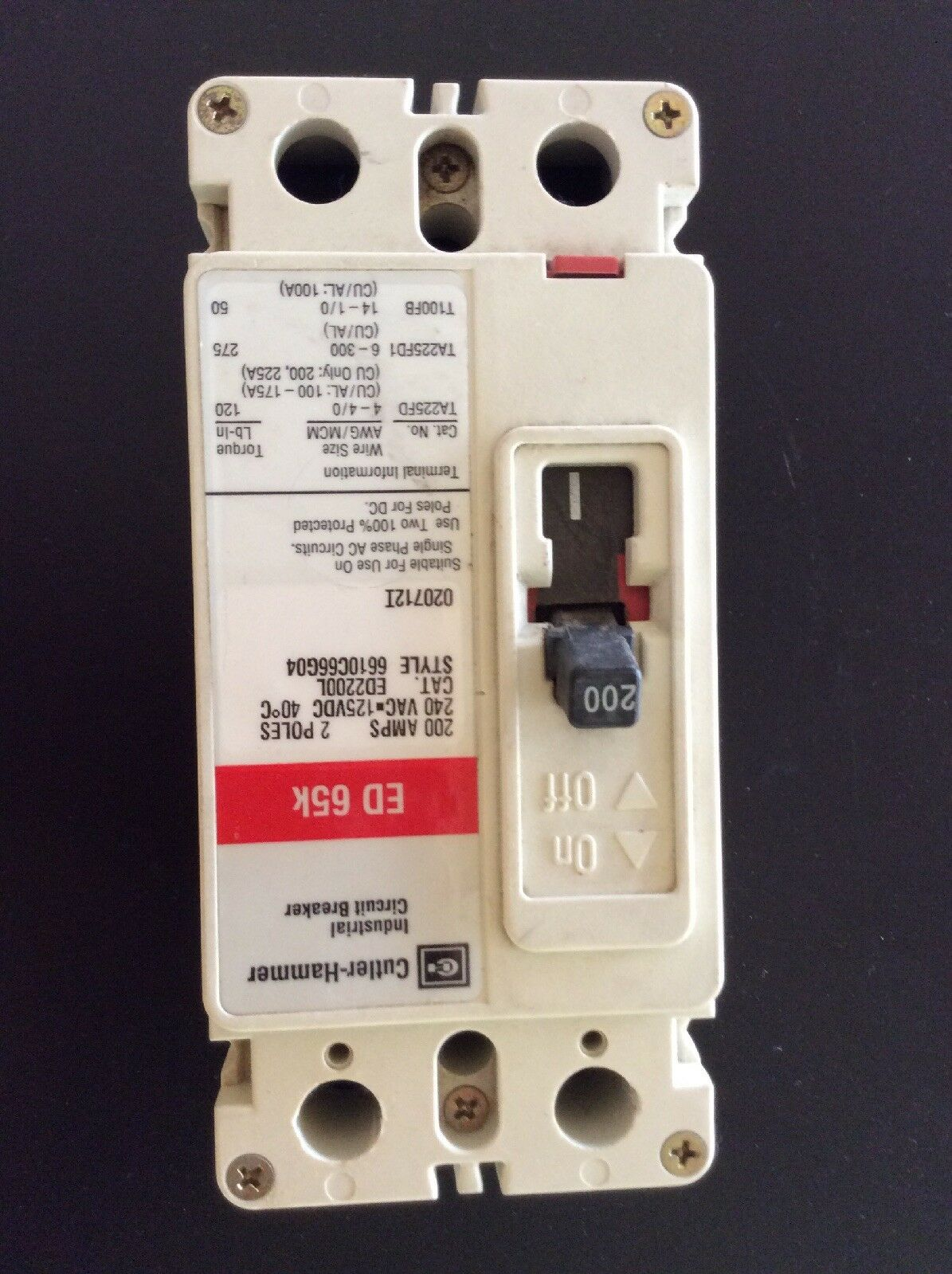 Cutler Hammer 200 Amp 2 Pole Circuit Breaker Ed2200l Ebay 200amp Main With 30amp Generator Stock Photo