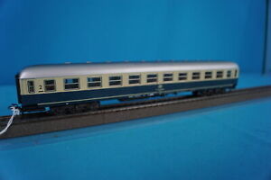 Marklin 4092 DB Express Coach 2 kl. Turquoise-Beige with closing lights 986-0